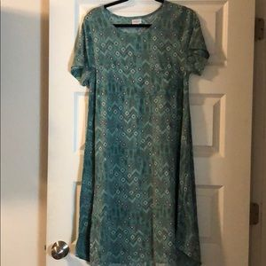 Cute LulaRoe Carly dress